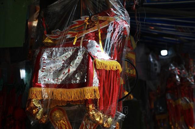 Thủ phủ vàng mã Hà Nội đìu hiu trước ngày cúng rằm tháng 7 - Ảnh 9.