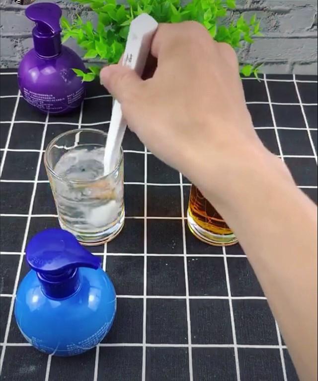 Kem đánh răng Trung Quốc thần thánh siêu tẩy trắng, nhắm mắt dùng liều - Ảnh 2.