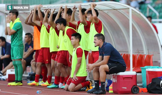 Bóng đá trẻ Việt Nam thất bại: Vết xước trên chiếc Lamborghini hay lỗ hổng thân đê? - Ảnh 1.