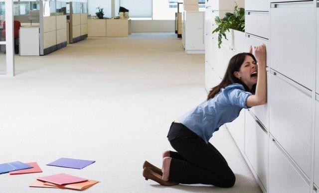 Khảo sát mới cho thấy: 8 trên 10 dân công sở đã bật khóc tại chỗ làm, chủ yếu là do sếp và đồng nghiệp chèn ép - Ảnh 2.