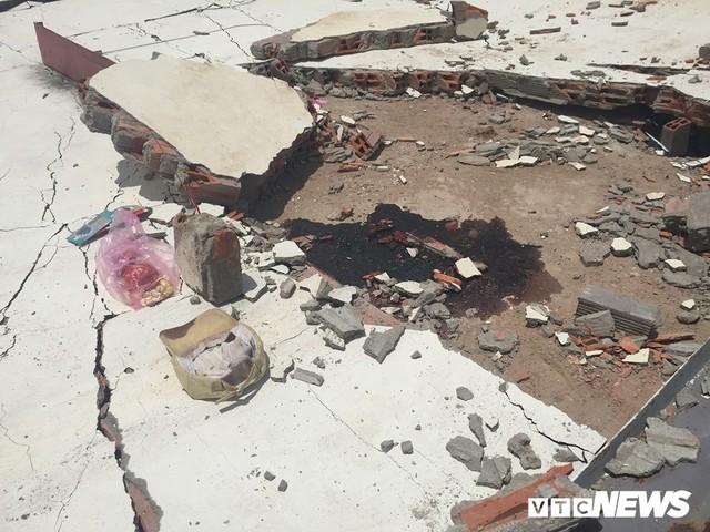 Sập tường khu nhà xưởng ở Bình Dương, 2 công nhân bị đè chết - Ảnh 1.