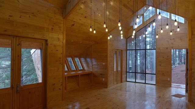 Nhà gỗ ghé lưng đồi, lãng mạn trong thung lũng trong sương Đà Lạt - Ảnh 5.