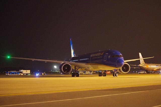 Máy bay lớn nhất Việt Nam đáp xuống Nội Bài - Ảnh 1.