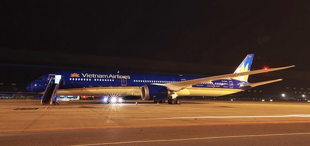 Máy bay lớn nhất Việt Nam đáp xuống Nội Bài - Ảnh 3.