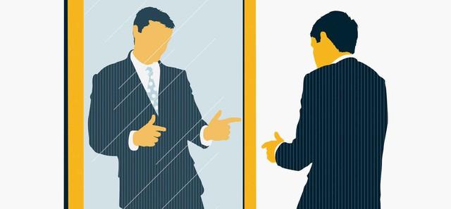 5 kiểu đồng nghiệp độc hại chị em công sở chỉ nên quen chứ không nên gần vì dễ khiến bản thân tụt hậu - Ảnh 2.