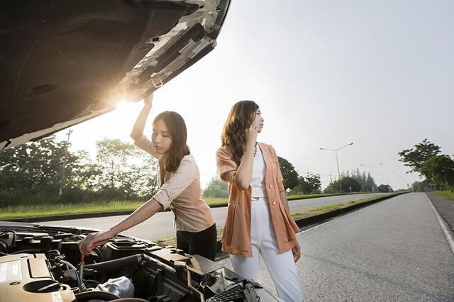 Nguyên nhân và cách xử lý xe ôtô bị chết máy giữa đường - Ảnh 2.