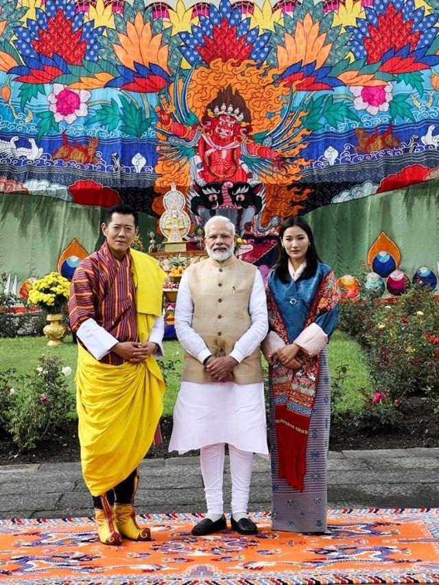 Hoàng hậu Bhutan hiếm hoi tái xuất khiến người hâm mộ ngỡ ngàng bởi nhan sắc và phong thái hơn người - Ảnh 1.