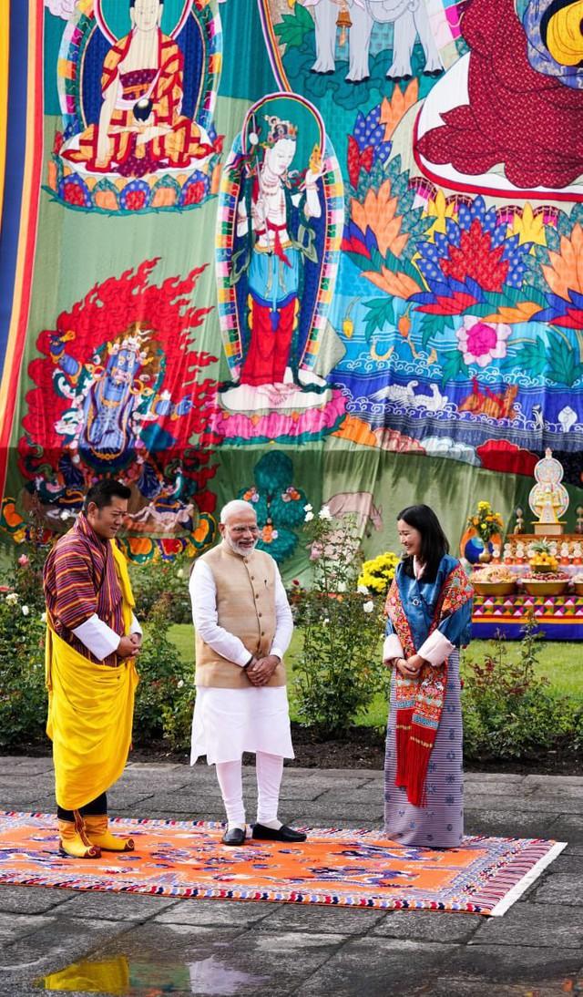 Hoàng hậu Bhutan hiếm hoi tái xuất khiến người hâm mộ ngỡ ngàng bởi nhan sắc và phong thái hơn người - Ảnh 2.