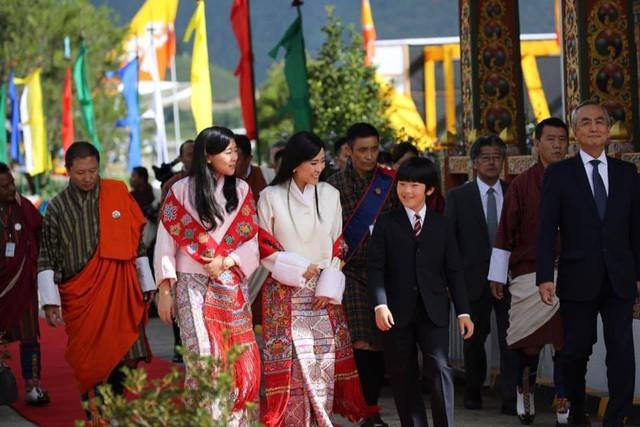 Hoàng hậu Bhutan hiếm hoi tái xuất khiến người hâm mộ ngỡ ngàng bởi nhan sắc và phong thái hơn người - Ảnh 3.
