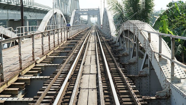 Ngắm từ trên cao cầu đường sắt 117 năm tuổi ở Sài Gòn sắp tháo dỡ - Ảnh 7.
