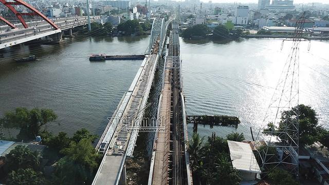 Ngắm từ trên cao cầu đường sắt 117 năm tuổi ở Sài Gòn sắp tháo dỡ - Ảnh 8.