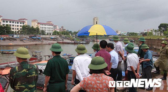 Hình ảnh mới nhất tại Quảng Ninh và Hải Phòng trước giờ bão số 3 đổ bộ - Ảnh 4.