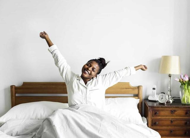 Từ cô bồi bàn nghiện hút thuốc đến HLV gym của Kim Kardashian: Cuộc sống đổi thay hoàn toàn nhờ dậy lúc 4h và bỏ bữa sáng!  - Ảnh 2.