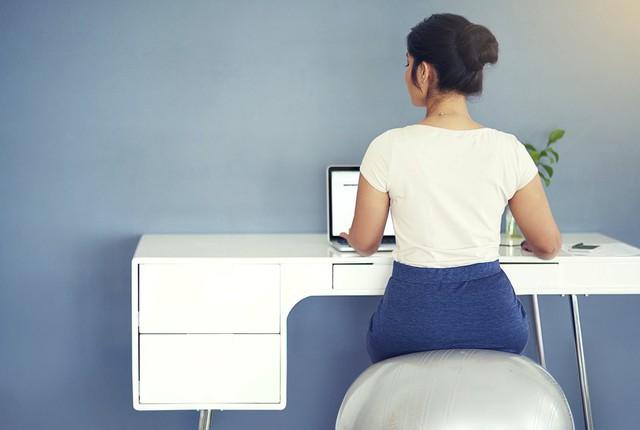 6 lưu ý khi bố trí bàn làm việc theo phong thủy để sự nghiệp thăng tiến, vạn sự như ý: Thay đổi nhỏ cũng đem lại lợi ích lớn! - Ảnh 4.