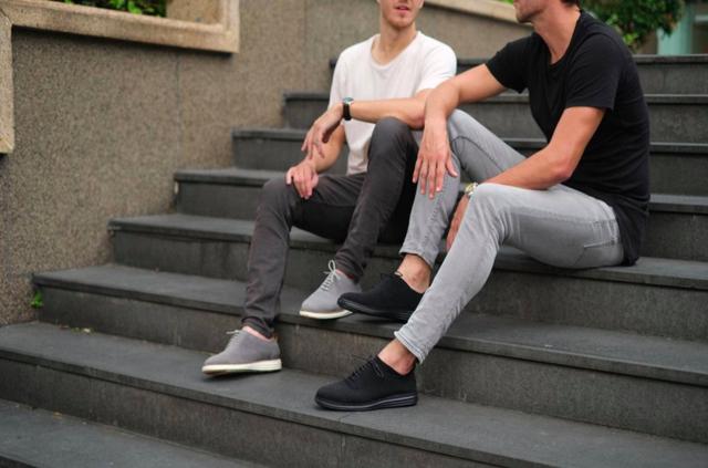 Dân tình xôn xao giày sneaker làm từ bã cà phê tại Phần Lan, startup Việt được SharK Hưng và Linh rót vốn đã lẹ tay bung hàng, thậm chí bán lỗ để hút khách - Ảnh 2.