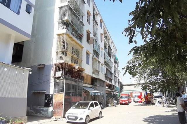 Tp.HCM: kiến nghị khẩn cấp tháo gỡ chung cư 581 Võ Văn Kiệt (Q.1) bị nghiêng - Ảnh 1.