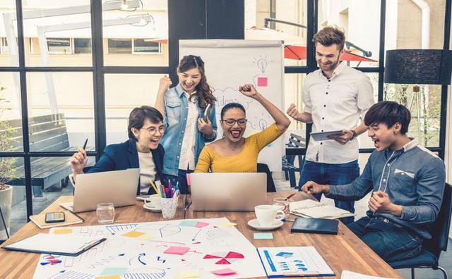 """Lương 8 con số cũng không thể làm bạn yêu thích một công việc nhàm chán nhưng những cách """"hack hạnh phúc"""" sau có thể giúp bạn vui vẻ hơn - Ảnh 2."""