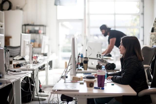 """Lương 8 con số cũng không thể làm bạn yêu thích một công việc nhàm chán nhưng những cách """"hack hạnh phúc"""" sau có thể giúp bạn vui vẻ hơn - Ảnh 3."""