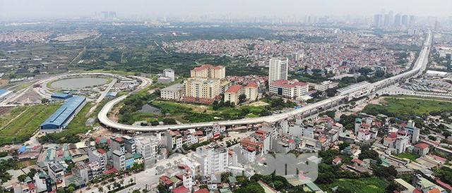 Hình hài đường sắt Nhổn - Ga Hà Nội sau 2 năm chậm tiến độ - Ảnh 1.