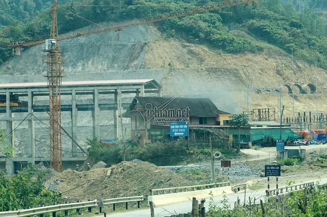 1km sông 3 nhà máy thủy điện, dân thấp thỏm khi mùa mưa lũ về - Ảnh 14.