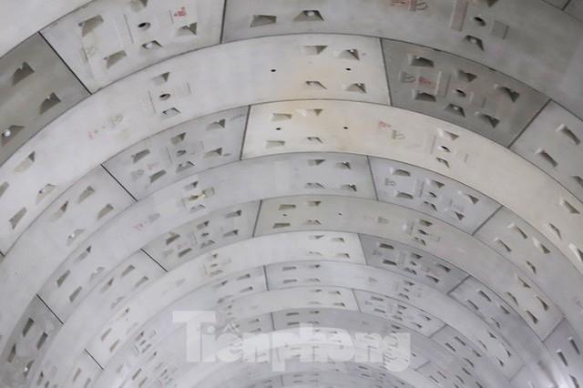 Cận cảnh đường hầm Metro số 1 dưới lòng Sài Gòn - Ảnh 19.