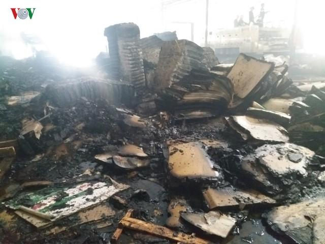 Cháy nhà máy giấy ở Tiền Giang lúc rạng sáng, thiệt hại gần 10 tỷ đồng - Ảnh 3.