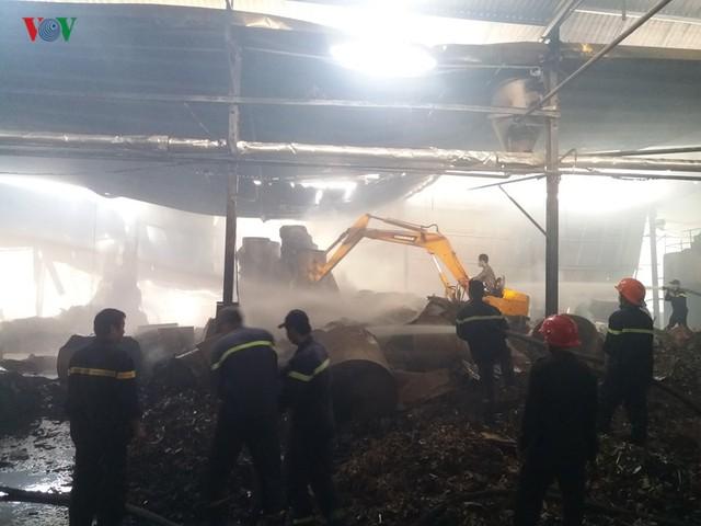 Cháy nhà máy giấy ở Tiền Giang lúc rạng sáng, thiệt hại gần 10 tỷ đồng - Ảnh 5.
