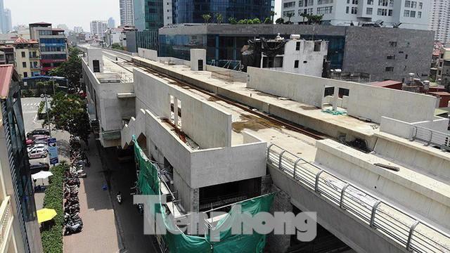 Hình hài đường sắt Nhổn - Ga Hà Nội sau 2 năm chậm tiến độ - Ảnh 10.