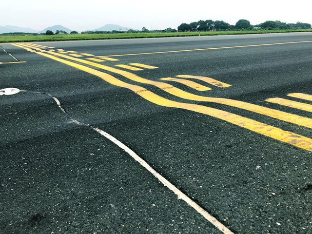 Sẽ đóng cửa một đường lăn tại sân bay Nội Bài để sửa chữa - Ảnh 1.