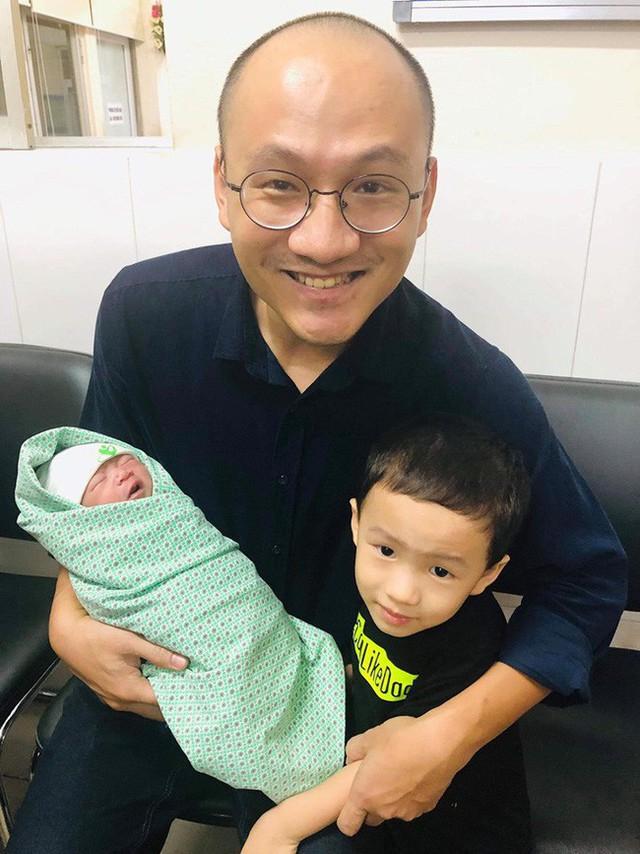 """MC Phan Đăng Ai là Triệu Phú: """"Người ta thường đòi hỏi con cái phải biết ơn bố mẹ, nhưng chính tôi phải biết ơn con của mình"""" - Ảnh 2."""