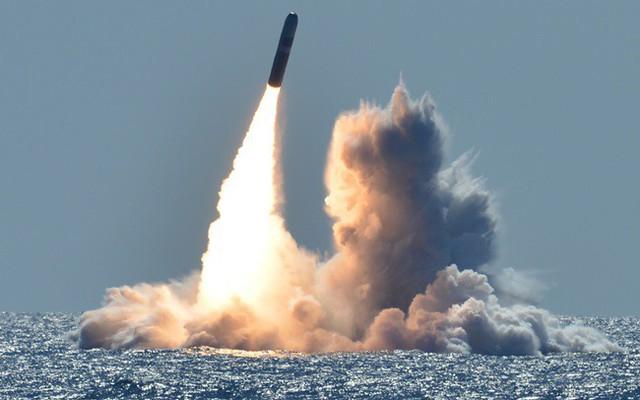 Mỹ chính thức rút khỏi Hiệp ước các lực lượng hạt nhân tầm trung - Ảnh 1.
