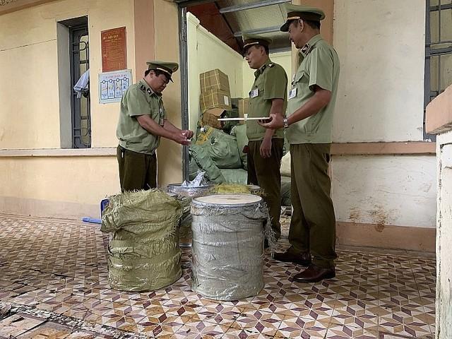 Thu giữ 116 kg nguyên liệu chè trân châu do Trung Quốc sản xuất - Ảnh 1.