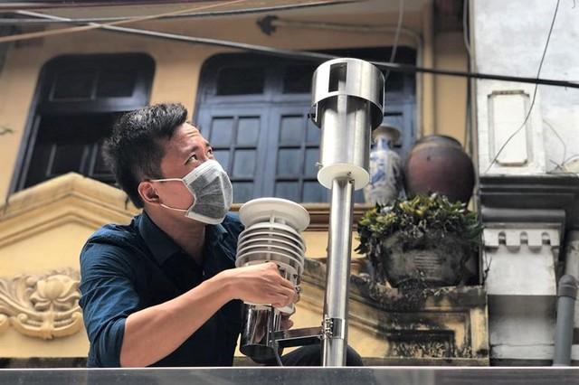 Nghi vấn rò rỉ thủy ngân sau vụ cháy Công ty Rạng Đông: Chi cục Bảo vệ môi trường đo chất lượng không khí - Ảnh 2.