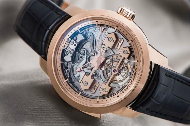 Tinh tường đến đâu quý ông vẫn cần lưu ý 5 điều sau khi mua đồng hồ cao cấp: Đừng bỏ cả ngàn USD chỉ để mua về đống sắt vụn! - Ảnh 2.
