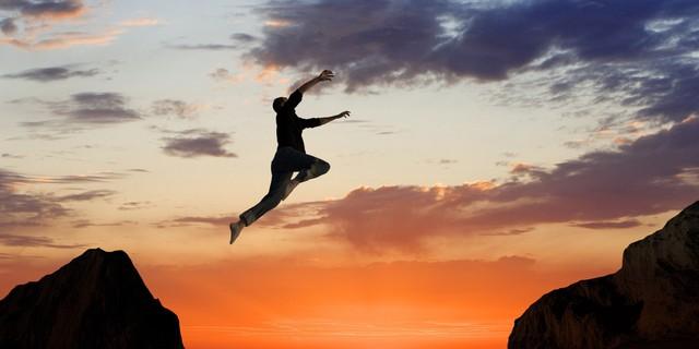 Cuộc đời này chẳng có gì là hoàn hảo, hãy sống thật với chính mình và tận hưởng cuộc sống của bạn thôi - Ảnh 1.