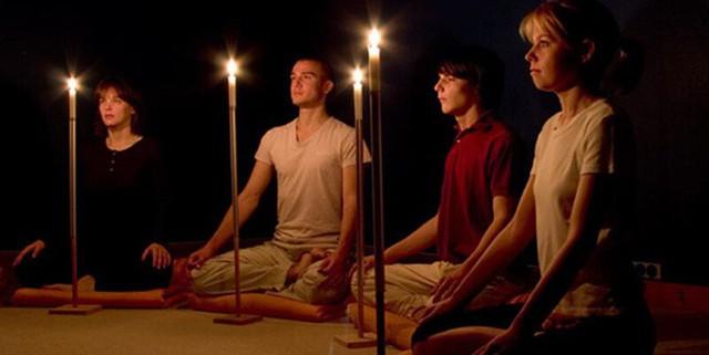 Yoga trị liệu: Chỉ dành 1-2 phút nhìn vào ngọn nến, thân và tâm nhận được 13 lợi ích lớn - Ảnh 5.