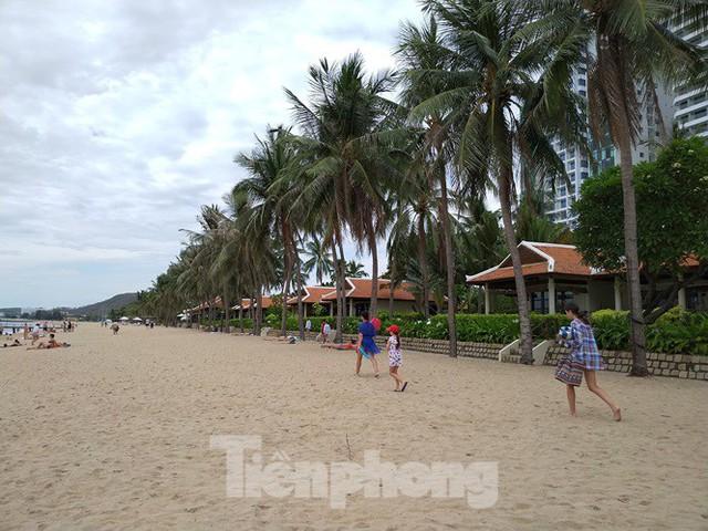 Cao ốc, khách sạn chọc trời đua nhau che mặt biển Nha Trang - Ảnh 4.