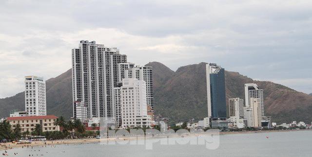 Cao ốc, khách sạn chọc trời đua nhau che mặt biển Nha Trang - Ảnh 7.