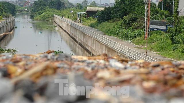 Nhìn gần trạm bơm tiêu Yên Nghĩa sau chuỗi ngày Hà Nội mưa không lối thoát - Ảnh 10.