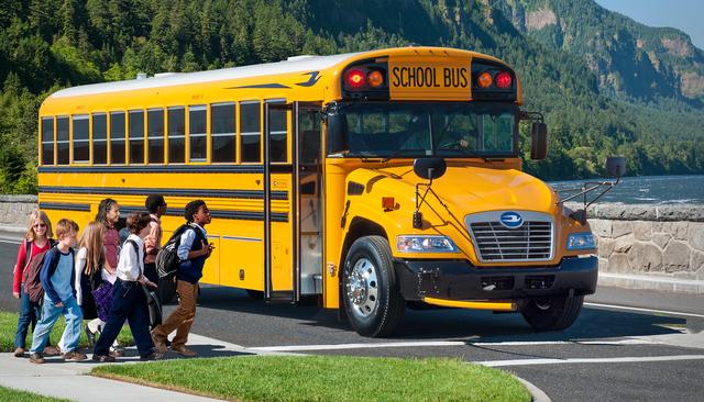 Nhằm ngăn chặn việc bỏ quên học sinh trên xe, Mỹ đã áp dụng hệ thống tân tiến này để cảnh báo: Các tài xế đều phải thực hiện trước khi xuống! - Ảnh 2.