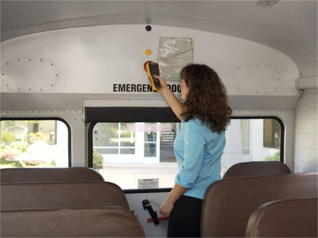 Nhằm ngăn chặn việc bỏ quên học sinh trên xe, Mỹ đã áp dụng hệ thống tân tiến này để cảnh báo: Các tài xế đều phải thực hiện trước khi xuống! - Ảnh 3.