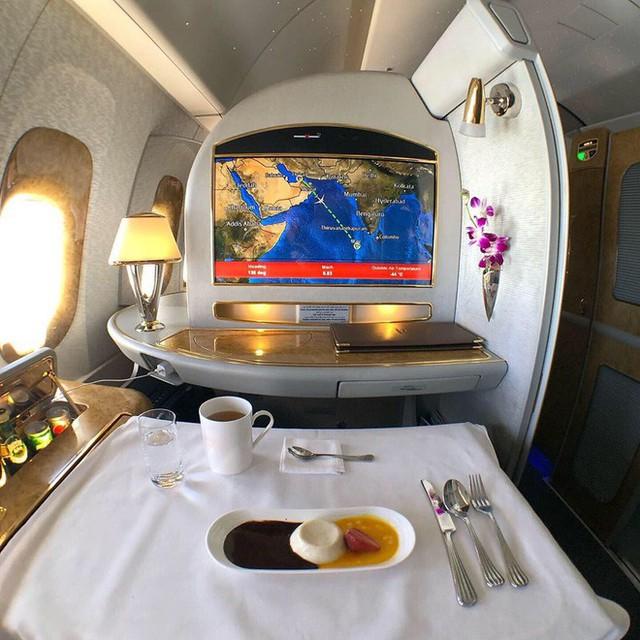 Muốn biết hạng thương gia sang chảnh hơn ghế thường ra sao, cứ nhìn bữa ăn của 19 hãng bay nổi tiếng này sẽ rõ! - Ảnh 11.