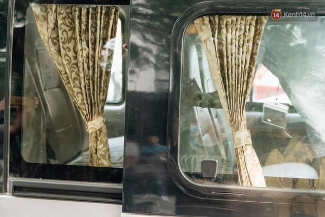 Clip thực nghiệm kỹ năng thoát hiểm khi bị mắc kẹt trong xe ô tô: Khóa cửa, tắt máy, còi xe liệu vẫn hoạt động? - Ảnh 3.