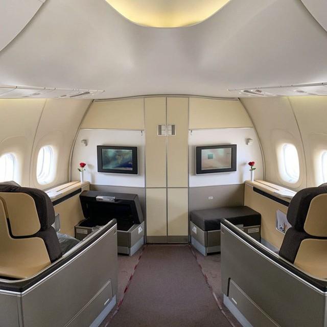 Muốn biết hạng thương gia sang chảnh hơn ghế thường ra sao, cứ nhìn bữa ăn của 19 hãng bay nổi tiếng này sẽ rõ! - Ảnh 6.