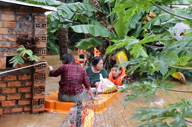 Mưa lớn kéo dài, Đắk Lắk ngập lụt diện rộng - Ảnh 1.