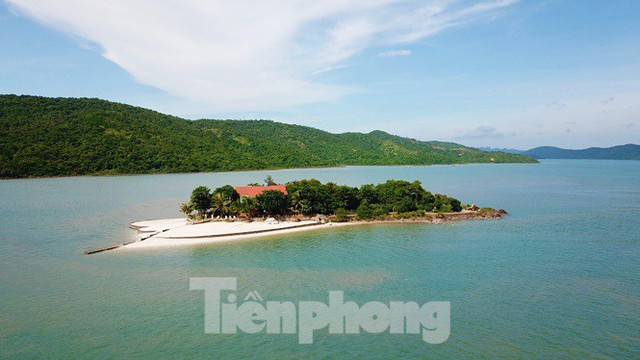 Hàng loạt đảo trên vịnh Bái Tử Long bị biến thành biệt thự, đặc khu - Ảnh 5.