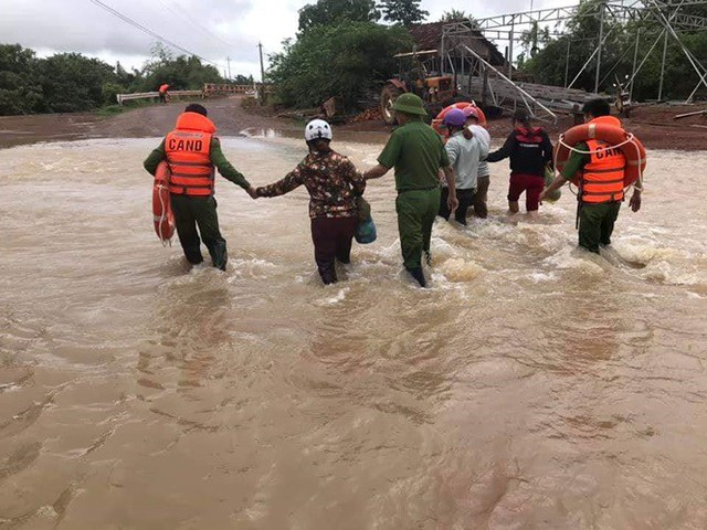 Mưa lớn kéo dài, Đắk Lắk ngập lụt diện rộng - Ảnh 5.