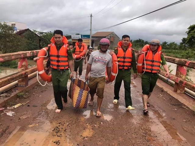 Mưa lớn kéo dài, Đắk Lắk ngập lụt diện rộng - Ảnh 9.