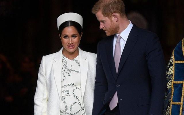 Hoàng tử Harry được đánh giá là đang ở một hành tinh khác kể từ sau khi kết hôn với Meghan Markle - Ảnh 2.
