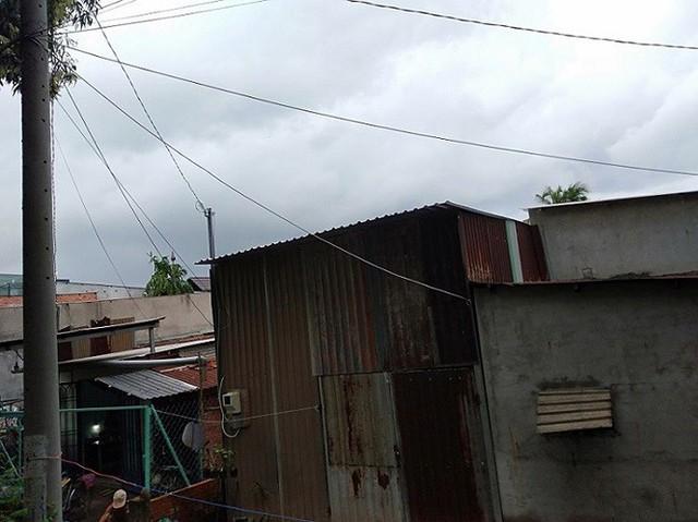 Cận cảnh điểm nóng có trên 1000 công trình vi phạm ở Sài Gòn - Ảnh 1.
